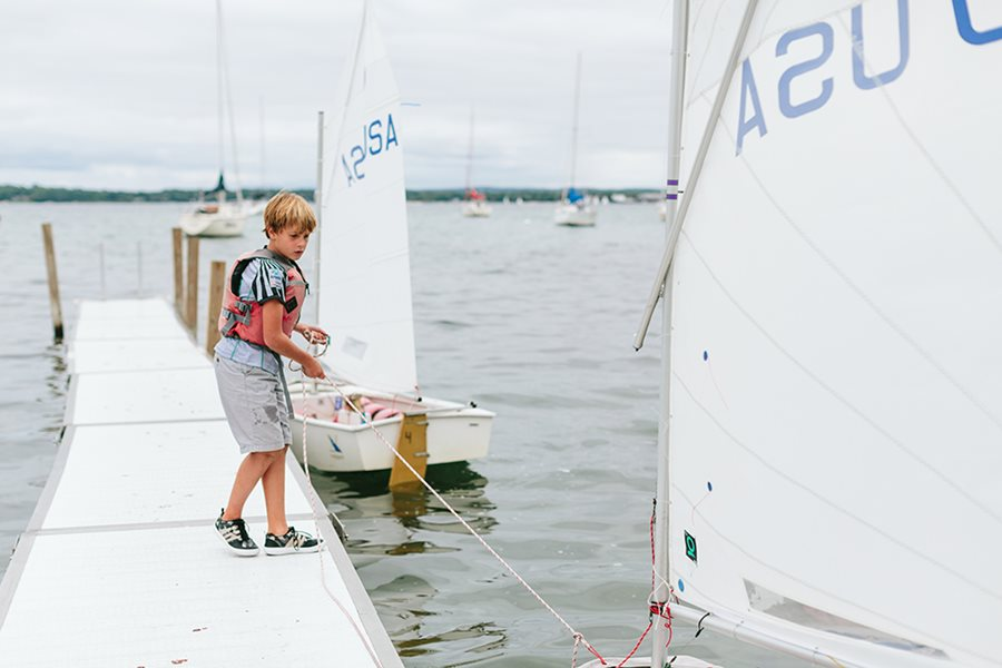 teaching kids how to sail